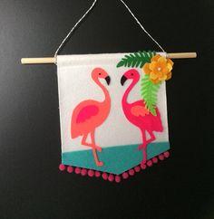 Flamingo Wall Hanging - Housewarming present - Ready to ship Flamingo Decor, Flamingo Party, Felt Crafts, Diy And Crafts, Arts And Crafts, Diy Projects For Kids, Craft Projects, Preschool Decor, Felt Wall Hanging