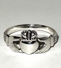 Claddagh ring - originated in Galway, Eire a traditional irish wedding ring. come visit Galway in Ireland. Silver Claddagh Ring, Sterling Silver Rings, Irish Wedding Rings, Wedding Band, Celtic Rings, Irish Traditions, Designer Engagement Rings, Ring Designs, Jewels