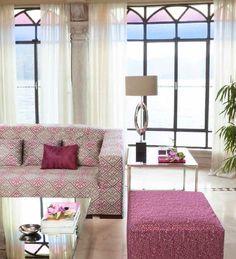 #MONET propone un divano arricchito da una fitta trama di rombi. #VANGOGH presenta un cuscino neutro a contrasto. #DERAIN arricchisce l'ambiente attraverso un puff dalle piccole pennellate di colore.  Questo è l'abbraccio proposto da tre artisti con tre animi completamente differenti.  #tessuti #interiordesign #tendaggi #textile #textiles #fabric #homedecor #homedesign #hometextile #decoration Visita il nostro sito www.ctasrl.com e scarica le nostre brochure su: http://bit.ly/1nhrLQM