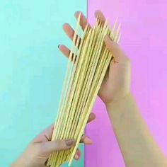 Faça você mesmo um nicho com palitos de churrasco passo a passo - Faça você mesmo um nicho com palitos de churrasco passo a passo, artesanato, ideias com palitos de - Diy Room Decor Videos, Diy Crafts For Home Decor, Diy Crafts Hacks, Diy Crafts For Gifts, Diy Wall Decor, Craft Stick Crafts, Diy Bedroom Decor, Paper Crafts, Diy Decorations For Home