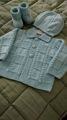 """Ravelry: Делюкс для детей (куртка) модель по Jarol """"Ravelry: Deluxe Baby (Jacket) by Jarol"""", """"One of my favorite baby knitting patterns. Baby Sweater Patterns, Knit Baby Sweaters, Knitted Baby Clothes, Boys Sweaters, Baby Knitting Patterns, Baby Patterns, Vogue Patterns, Crochet Clothes, Vintage Patterns"""