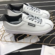 Luxury Bags, Shoes, Clothes, Belts Hot Sale, Worldwild Free Shipping Sneaker Boutique, Vans Authentic, Luxury Bags, Wholesale Clothing, Belts, Chanel, Free Shipping, Hot, Sneakers