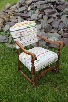 Canadian Quilting CQA/ACC: selvedge covered chair... love it!