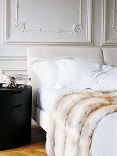 Simple and chic bedroom decor. www.topshelfclothes.com