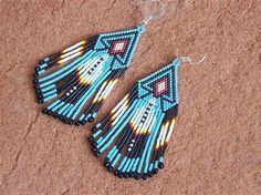 Images Beaded Earrings Native, Beaded Earrings Patterns, Seed Bead Patterns, Native Beadwork, Native American Beadwork, Seed Bead Earrings, Native American Jewelry, Beading Patterns, Dangle Earrings