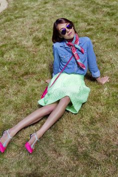 Look Du Jour: Neon und Denim Fashion Models, Personal Style, Neon, Comfy, Summer Dresses, Denim, Happy, D Day, Women's Fashion
