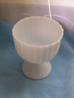 Vintage milk glass vase  ribbed design milk glass by NewtoUVintage