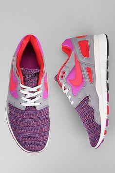 Nike Air Flow Pattern Sneaker