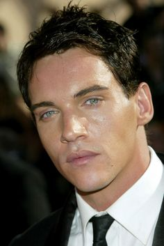 Jonathan Rhys Meyers Photo - 57th Annual Emmy Awards - Arrivals