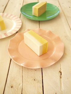 Healthy mango and coconut icecream bars   Perfect for summer!