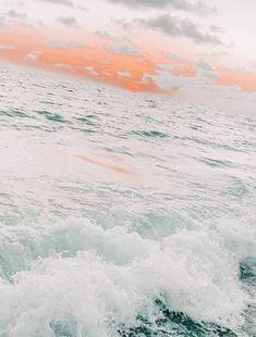 Iphone Wallpaper Tumblr Aesthetic, Aesthetic Pastel Wallpaper, Aesthetic Backgrounds, Aesthetic Wallpapers, Ocean Wallpaper, Summer Wallpaper, Iphone Background Wallpaper, Cute Wallpaper Backgrounds, Pretty Wallpapers