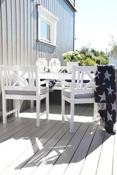 Our terrace floor was brown and very worn, and it needed a makeover. Porches, Terrace Floor, Terrace Garden, Outdoor Dining, Outdoor Spaces, Outdoor Decor, Outdoor Seating, Coastal Living, Coastal Decor