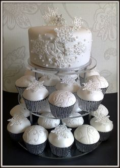 11 Lovely Winter Wedding Cakes for Your Winter Wonderland Wedding Wedding Cakes With Cupcakes, Party Cakes, Cupcake Cakes, Cup Cakes, Winter Wedding Cupcakes, Frozen Cupcakes, Cupcake Wedding, White Cupcakes, Beautiful Cakes