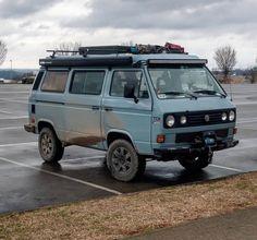 Love this mini van of VW Vw T3 Doka, Vw Vanagon, Volkswagen Karmann Ghia, Volkswagen Bus, Vw Amarok, Vw Bus T3, Bus Camper, Auto Camping, Combi T1