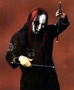 Joey Jordison keeping the beat of my life with his drums (http://www.youtube.com/watch?v=ZN7o7oolaA4 his sickest solo)