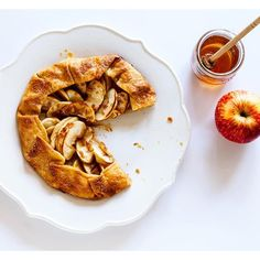 ... .com/galettes/stylesweetca/apple-galette-topped-with-honey-toffee