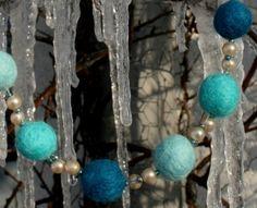 """Winterliche Halskette - Collier """"Winterhimmel"""" --> http://www.klunkerfisch.de/Winterliche-Halskette-Collier-Winter-Himmel::287.html"""