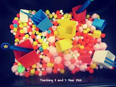 Teaching 2 and 3 Year Olds: A Collection of Sensory Table Ideas