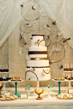 wedding themes, ceremony backdrop, dream cake, dream catchers, native americans, wedding cakes, cake display, parti, birthday cakes