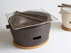 Charcoal Grill Set by Shikika This one now sold out -but this kind of thing would be very great Barbacoa, Konro Grill, Table Top Bbq, Bbq Grill, Grilling, Barbecue Machine, Bbq Roast, Ceramic Grill, Grill Parts