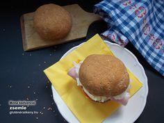 Gluténmentes zsemle magas rost és kb 0 szénhidrát tartalommal (NoCarb rost sütőmixszel) Hamburger, Ethnic Recipes, Food, Essen, Burgers, Meals, Yemek, Eten