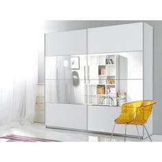 Prostorné, praktické a přesto designové šatní skříně. Vyberte si tu nejlepší šatní skříň do Vaší ložnice za bezkonkurenční cenu.