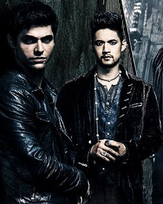 "hwob: ""Magnus and Alec in the new Shadowhunters season 3 poster """