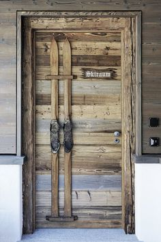 waste wood Pitschen Davos furniture and building joinery – Door Ideas Chalet Chic, Chalet Style, Ski Chalet, Chalet Design, Restaurant Chalet, Door Design, House Design, Design Design, Ski Lodge Decor