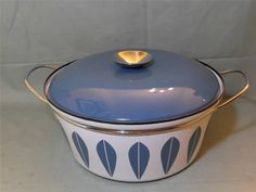 Retro Enamel Casserole Dish Cathrineholm Norway White/Pale Blue Lotus Design 8pt
