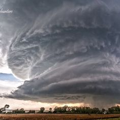Mothership supercell beast by Woodward, Oklahoma in April 9th, 2012. This storm produced SOFTBALL sized hail & tornadoes.