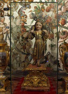 Buen Pastor Niño, Luisa Roldán. || Basílica de San Juan de Dios, Granada. Talla en madera policromada de Luisa Roldán, La Roldana (2337×3222)