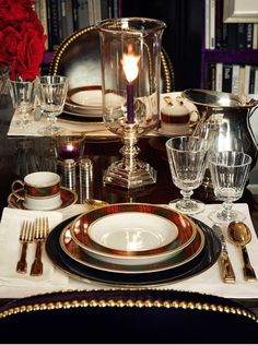 Classic and elegant holiday table setting.