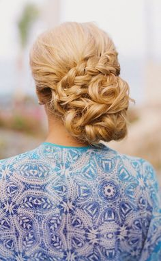 Yourweddingis your chance to be a star for a day, so today we're giving you a collection of 18 gorgeous and inspiring wedding hairstyles.Whether you're planning a wedding or it's your bestie who's walking down the aisle, we've got the perfect wedding hair inspiration.These looks are oh-so-stylish and bound to make you shine on that read more...