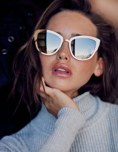 SUPER GIRL takes the iconic MY GIRL frame to new heights. The glamorous oversized sunnies offer a flashier alternative to Quay's staple cat eye. Alternatively modern and vintage, SUPER GIRL comes in four luminous colors. Each frame features our signature reflective lenses in multiple hues, set in a sleek metal frame. SUPER GIRL will have you jet setting to your next adventure like a rock star.