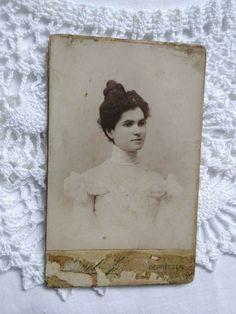 Antique HUN CDV/visit card, young elegant lady, Németi József Debrecen 1800s' Elegant Woman, Lady, Vintage Ladies, Vintage Fashion, Fashion Vintage, Preppy Fashion