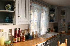 San Francisco Victorian - kitchen http://www.inpayne.com/dollhouse/dollhouse12d1.html
