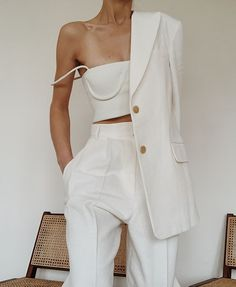 Woman All White Outfits outfits trends Beige Outfit, All White Outfit, White Outfits For Women, Monochrome Outfit, Trend Fashion, Fashion Outfits, Womens Fashion, Fashion Tips, Fashion Quotes