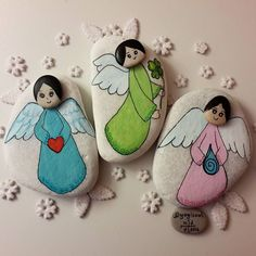 good healt Ak,ans ve Salk meleklerim yeni yla hazr. My Love, Good Luck and Health angels are ready for new year. Pebble Painting, Pebble Art, Stone Painting, Rock Painting, Stone Crafts, Rock Crafts, Diy And Crafts, Christmas Rock, Christmas Crafts