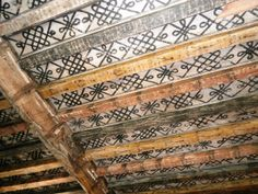 The most important historic feature of the castle is this medieval ceiling painted with pigments from the century. Painted Beams, Hand Painted Walls, Painted Ceilings, Ceiling Painting, Faux Painting, Mural Painting, Floor Ceiling, Ceiling Beams, Fresco