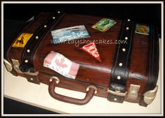 Suitcase Cake Luggage Cake, Suitcase Cake, Just Cakes, Travel Themes, Let Them Eat Cake, Amazing Cakes, My Favorite Things, Cupcakes, Colours