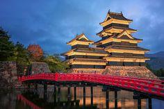 The Crow Castle - .. blue hour at Matsumoto Castle