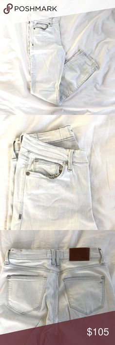 Madewell Light Wash Denim - Size 25 Stretchy light wash denim. Runs large (fits like 26) Never put into dryer. Inseam 26.5 inches Madewell Jeans Skinny