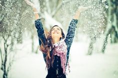 A winter wallpaper with one of the cool and snowy images can be a perfect background for your computer. Here is our selection of winter desktop backgrounds. Girly Attitude Quotes, Girly Quotes, True Quotes, Happy Quotes, Good Quotes, Pretty Quotes, Photo Facebook, Facebook Timeline, O Ritual