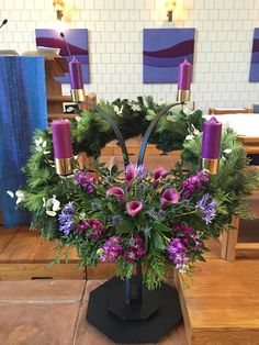 Excellent Pic Advent Wreath church Popular Quite a few chapels number a good Advent-wreath-making occasion with the Thursday on the season. Church Christmas Decorations, Altar Decorations, Christmas Flowers, Christmas Candles, Christmas Wreaths, Altar Design, Easter Garden, Advent Candles, Advent Wreath