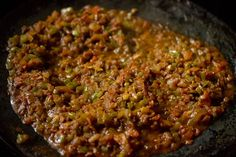 Masala Pav Recipe with stepwise pics. Masala Pav is basically pav stuffed with a spiced buttery onion, tomatoes and capsicum filling. Pav Recipe, Bhaji Recipe, Gourmet Recipes, Healthy Recipes, Simple Recipes, Mumbai Street Food, Pav Bhaji, Indian Dishes, Oysters