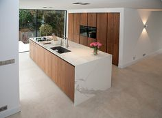 Kitchen Dinning, Kitchen Sets, Kitchen Decor, Kitchen Interior, Home Interior Design, Dream Home Design, House Design, White Wood Kitchens, Home Building Design