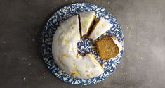 Lemon cake by the Greek chef Akis Petretzikis. A quick and easy recipe for a delicious cake with a tangy lemon flavour and sugary glaze on top! Raw Food Recipes, Cake Recipes, Greek Sweets, Nutrition Chart, Processed Sugar, Good Fats, Quick Easy Meals, Yummy Cakes, Lemon