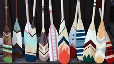 deco nautique - Yahoo Image Search Results Decoration Surf, Oar Decor, Groomsmen Gifts Unique, Groomsman Gifts, Beach House Style, Canoa Kayak, Painted Oars, Hand Painted, Surfboard