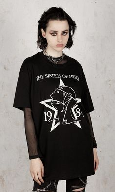 The Sisters Of Mercy - 1984 T-Shirt - Disturbia Clothing Gothic Mode, Gothic Lolita, Gothic Dress, Victorian Gothic, Gothic Girls, Goth Look, Grunge Look, Rock Street Style, Gothic Fashion