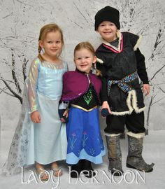 How to Be a Super Frozen Mom on @Krystal Thanirananon Thanirananon White : costumes, crafts and free printables!